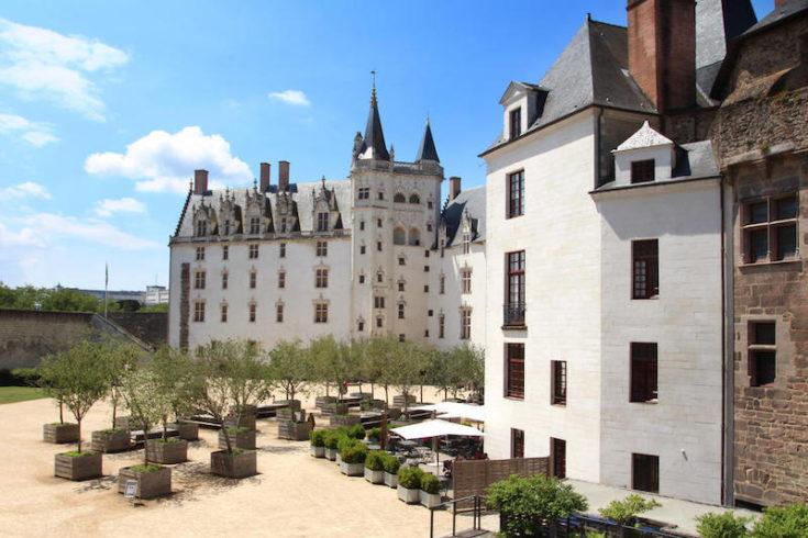 Cours-château-des-ducs-de-Bretagne-Nantes